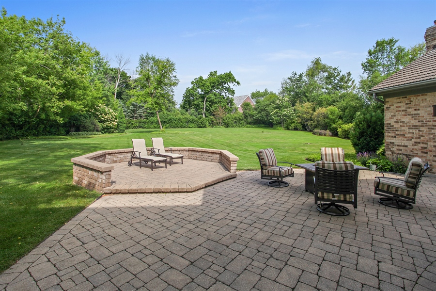 Real Estate Photography - 2389 Tennyson Ln, Highland Park, IL, 60035 - Back Yard