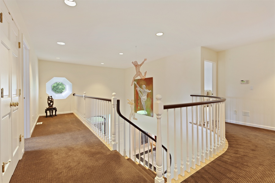 Real Estate Photography - 2389 Tennyson Ln, Highland Park, IL, 60035 - Hallway
