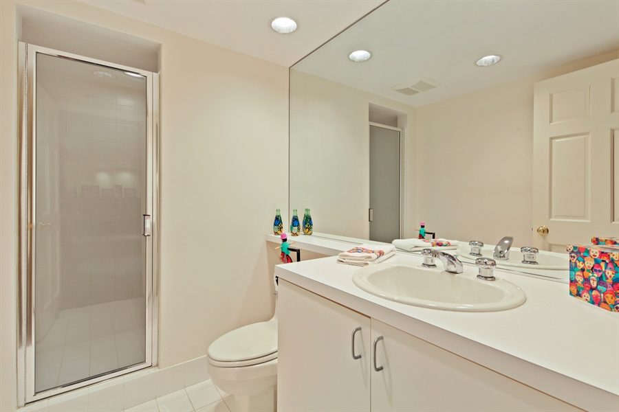 Real Estate Photography - 2389 Tennyson Ln, Highland Park, IL, 60035 - Bathroom