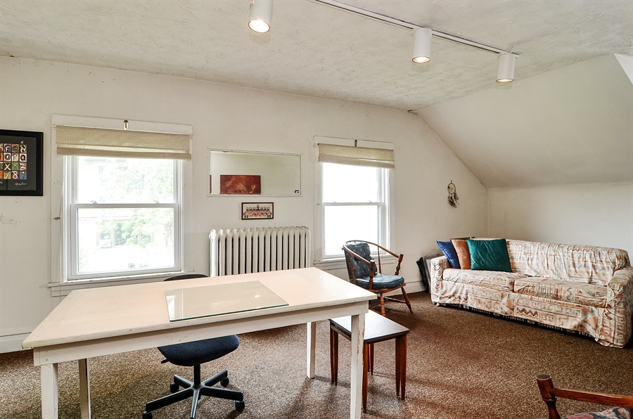 Real Estate Photography - 117 S Taylor, Oak Park, IL, 60302 - Guest House Living Room