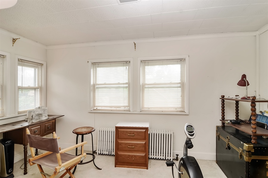Real Estate Photography - 117 S Taylor, Oak Park, IL, 60302 - Reading Room