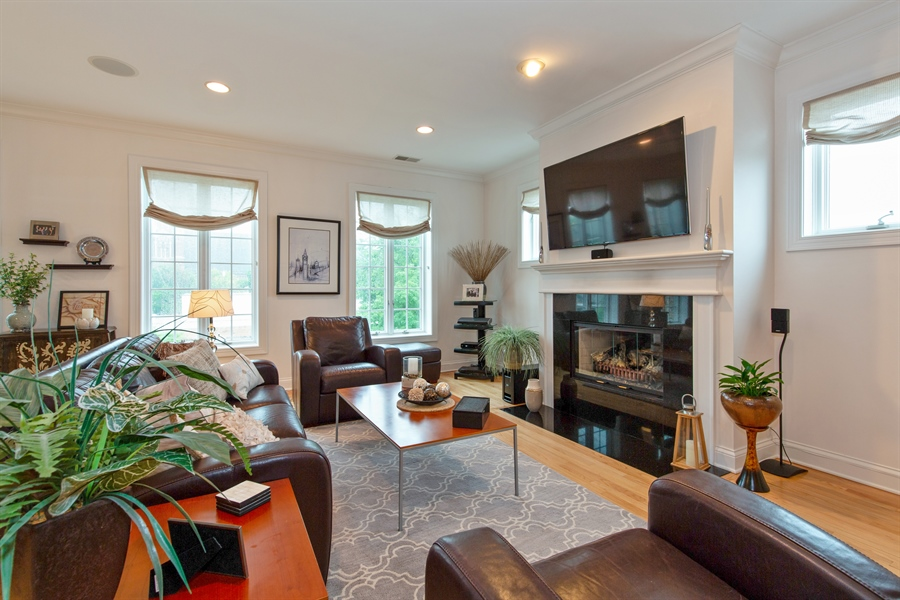 Real Estate Photography - 1654 N. Mohawk, 3, Chicago, IL, 60614 - Living Room