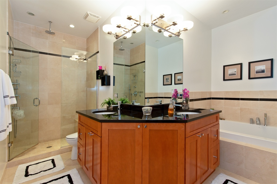 Real Estate Photography - 1654 N. Mohawk, 3, Chicago, IL, 60614 - Master Bathroom