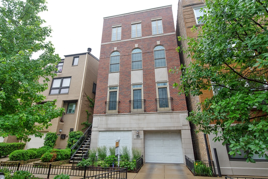 Real Estate Photography - 1654 N. Mohawk, 3, Chicago, IL, 60614 - Front View