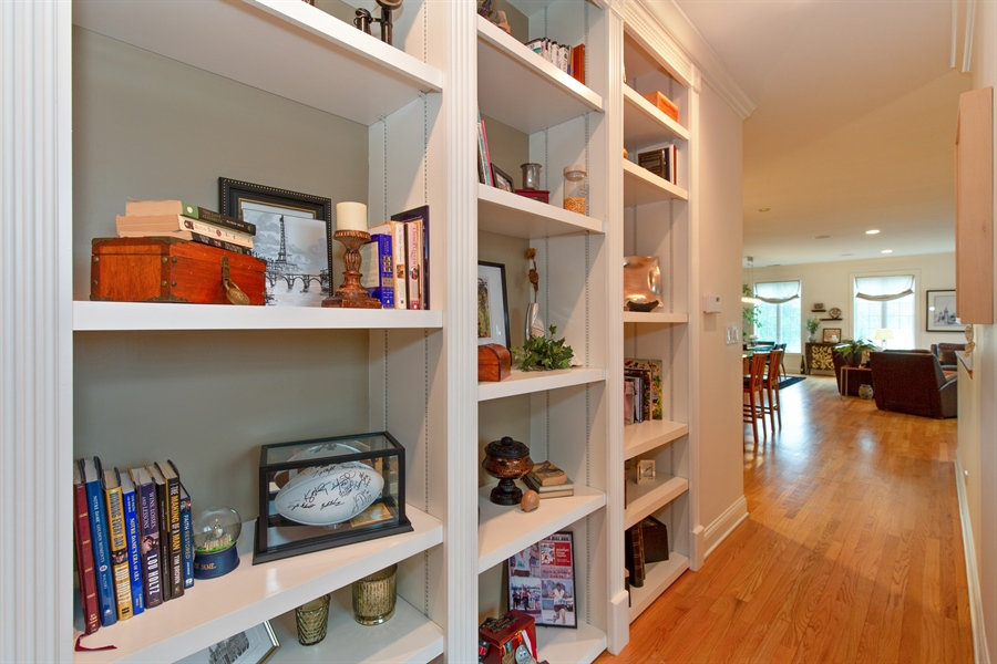 Real Estate Photography - 1654 N. Mohawk, 3, Chicago, IL, 60614 - Hallway