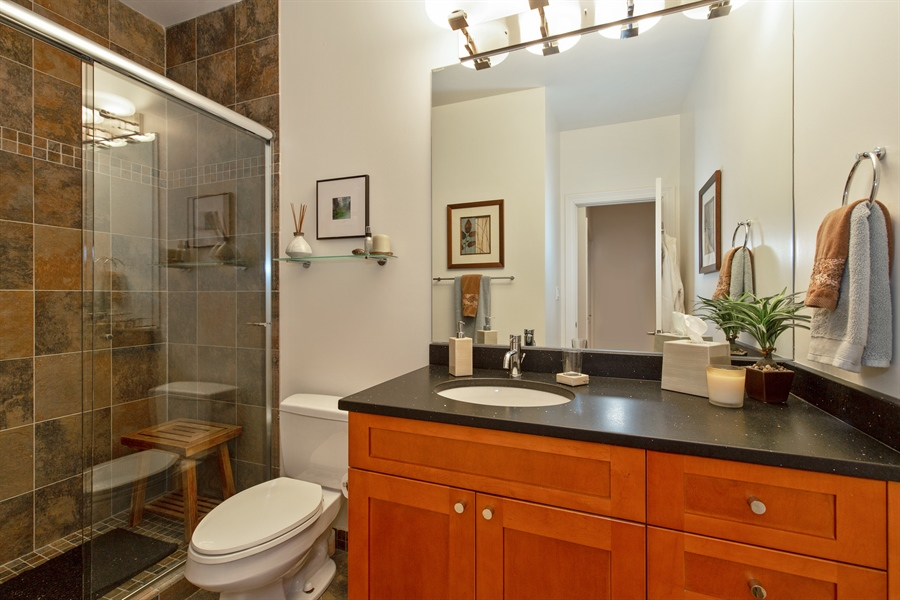 Real Estate Photography - 1654 N. Mohawk, 3, Chicago, IL, 60614 - Bathroom