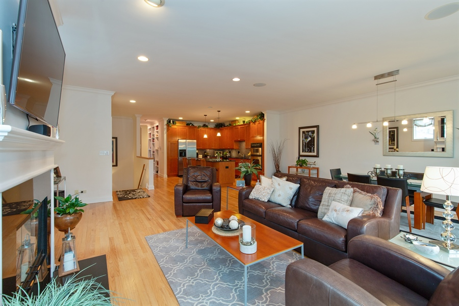 Real Estate Photography - 1654 N. Mohawk, 3, Chicago, IL, 60614 - Kitchen / Living Room