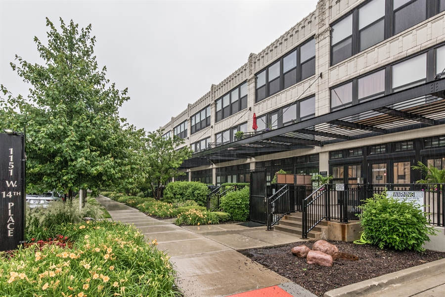Real Estate Photography - 1151 W 14th, 102, Chicago, IL, 60608 - Front View