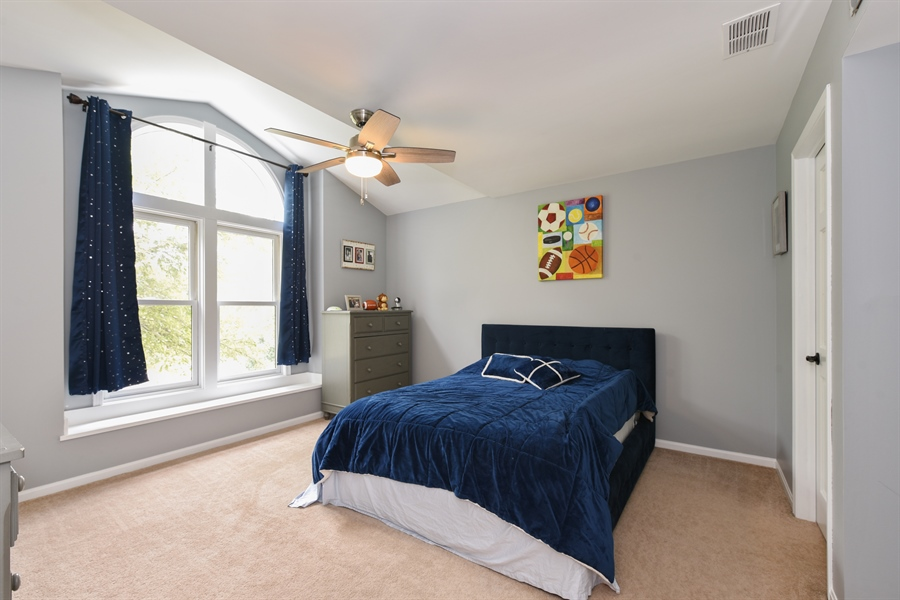Real Estate Photography - 1587 Far Hills Dr, Bartlett, IL, 60103 - 2nd Bedroom