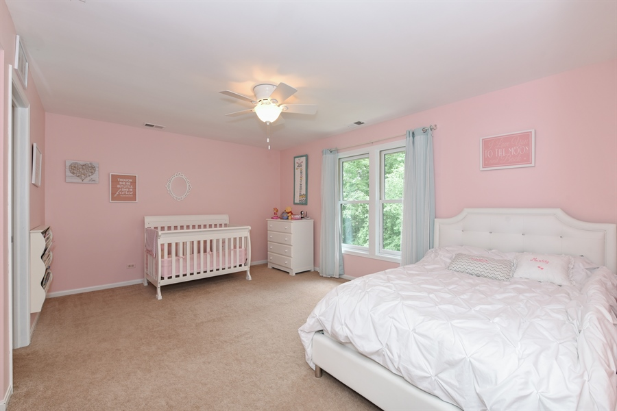 Real Estate Photography - 1587 Far Hills Dr, Bartlett, IL, 60103 - 3rd Bedroom