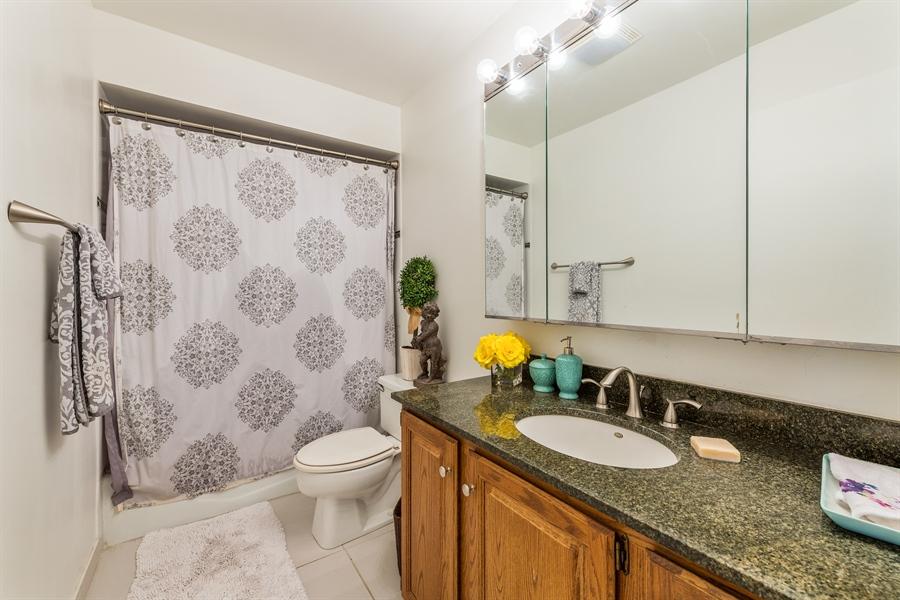Real Estate Photography - 1651 n dayton, 304, chicago, IL, 60614 - Master Bathroom