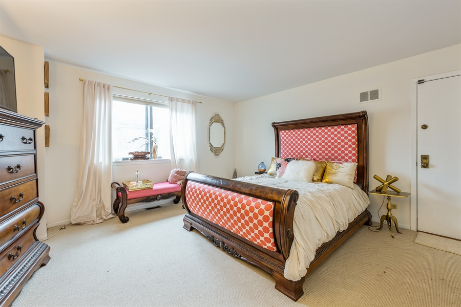 Real Estate Photography - 1651 n dayton, 304, chicago, IL, 60614 - Master Bedroom