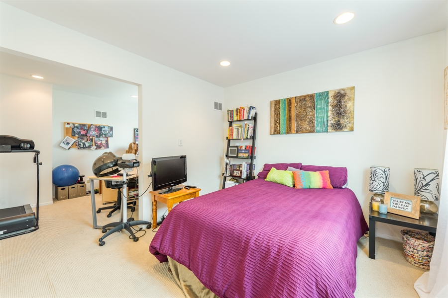 Real Estate Photography - 1651 n dayton, 304, chicago, IL, 60614 - 2nd Bedroom