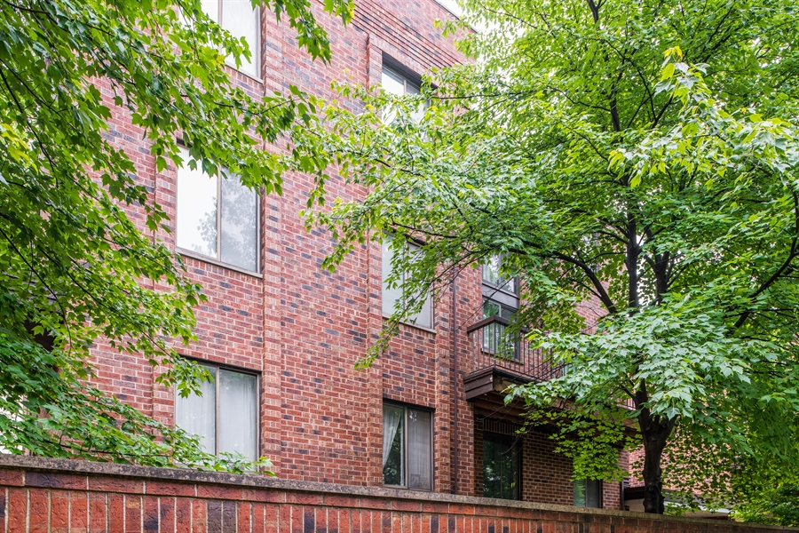 Real Estate Photography - 1651 n dayton, 304, chicago, IL, 60614 - Front View