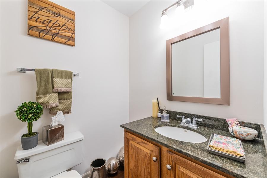 Real Estate Photography - 1651 n dayton, 304, chicago, IL, 60614 - Bathroom