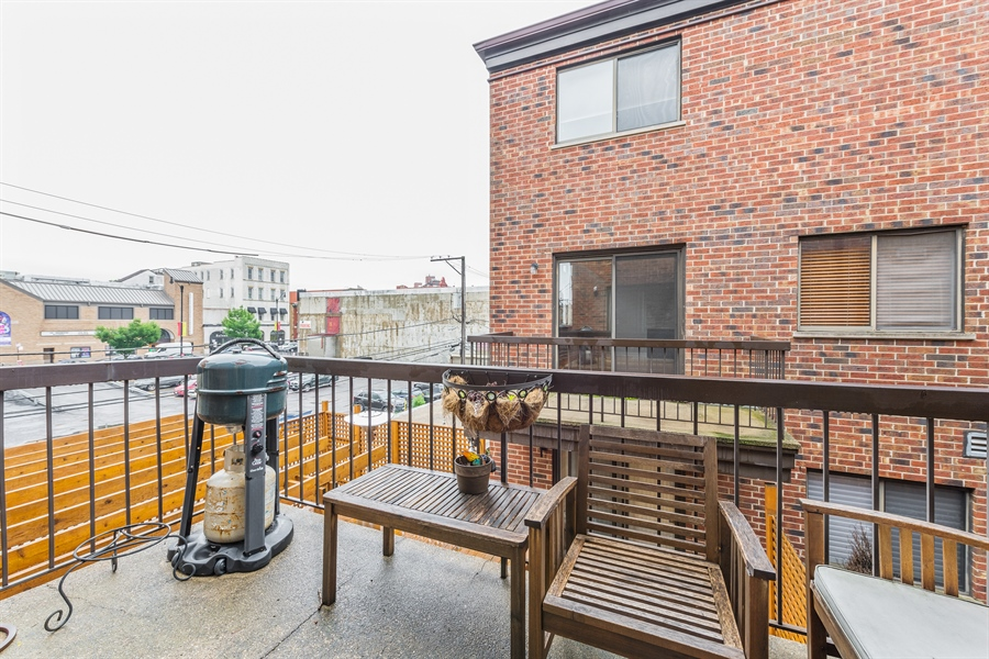 Real Estate Photography - 1651 n dayton, 304, chicago, IL, 60614 - Balcony