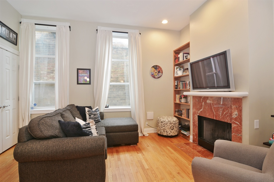 Real Estate Photography - 1532 N Paulina, Unit L, Chicago, IL, 60622 - Living Room