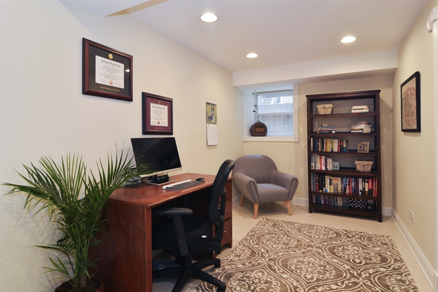 Real Estate Photography - 1532 N Paulina, Unit L, Chicago, IL, 60622 - Den / Office