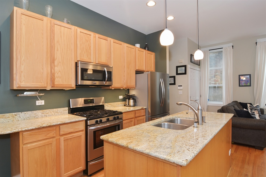 Real Estate Photography - 1532 N Paulina, Unit L, Chicago, IL, 60622 - Kitchen