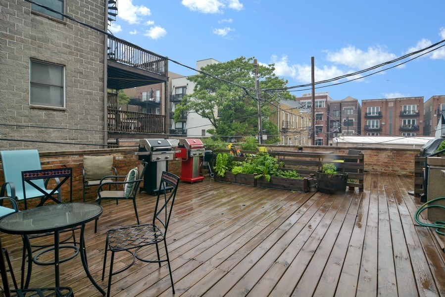 Real Estate Photography - 1532 N Paulina, Unit L, Chicago, IL, 60622 - Deck