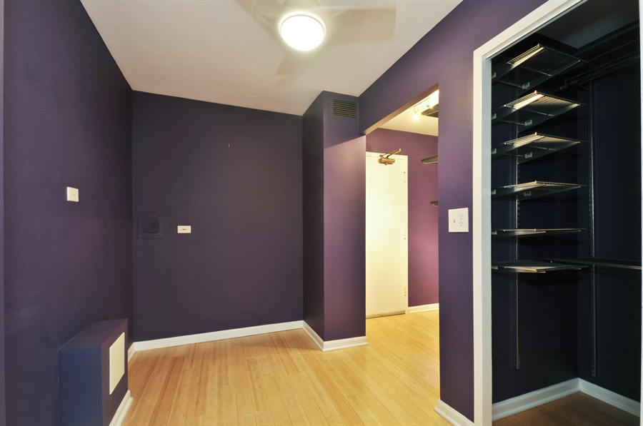 Real Estate Photography - 850 N Dewitt Pl, apt 13GI, Chicago, IL, 60611 - Master Bedroom Closet