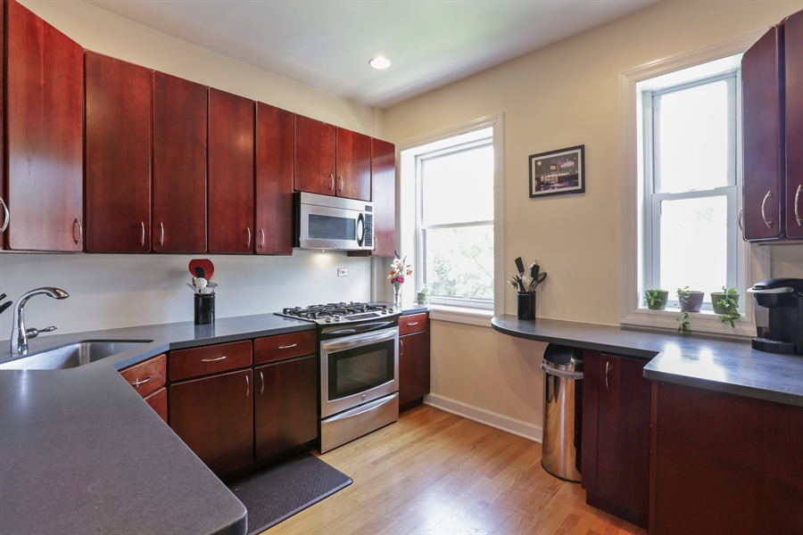 Real Estate Photography - 1003 Hinman, Evanston, IL, 60202 - Kitchen
