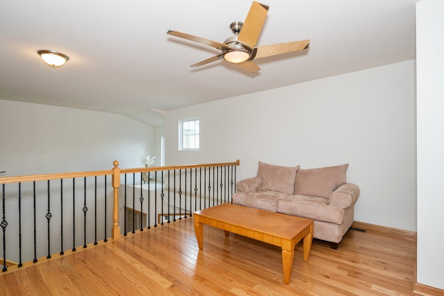 Real Estate Photography - 206 Westminster, Bloomingdale, IL, 60108 - Loft