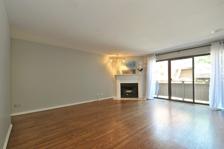 Real Estate Photography - 1835 N Halsted, unit 4, Chicago, IL, 60614 - Living Room