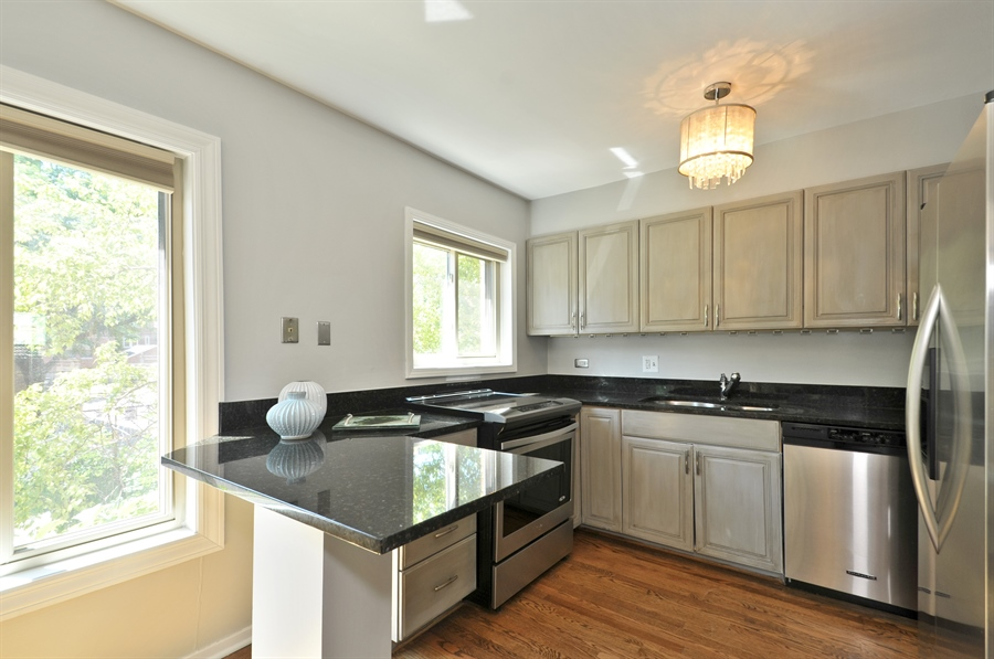 Real Estate Photography - 1835 N Halsted, unit 4, Chicago, IL, 60614 - Kitchen