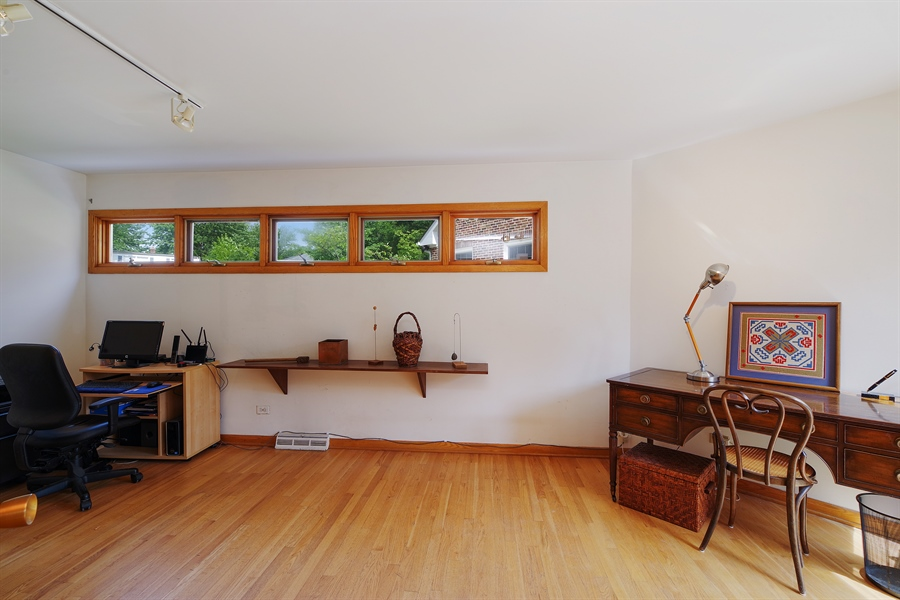 Real Estate Photography - 214 17th St, Wilmette, IL, 60091 - Fourth Bedroom