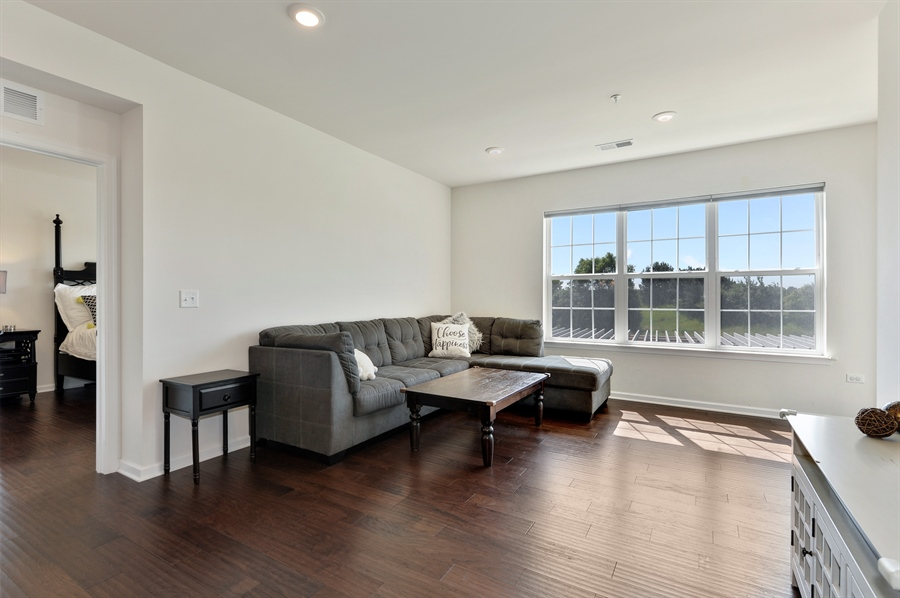 Real Estate Photography - 2701 Common Dr., 207, Glenview, IL, 60026 - Living Room