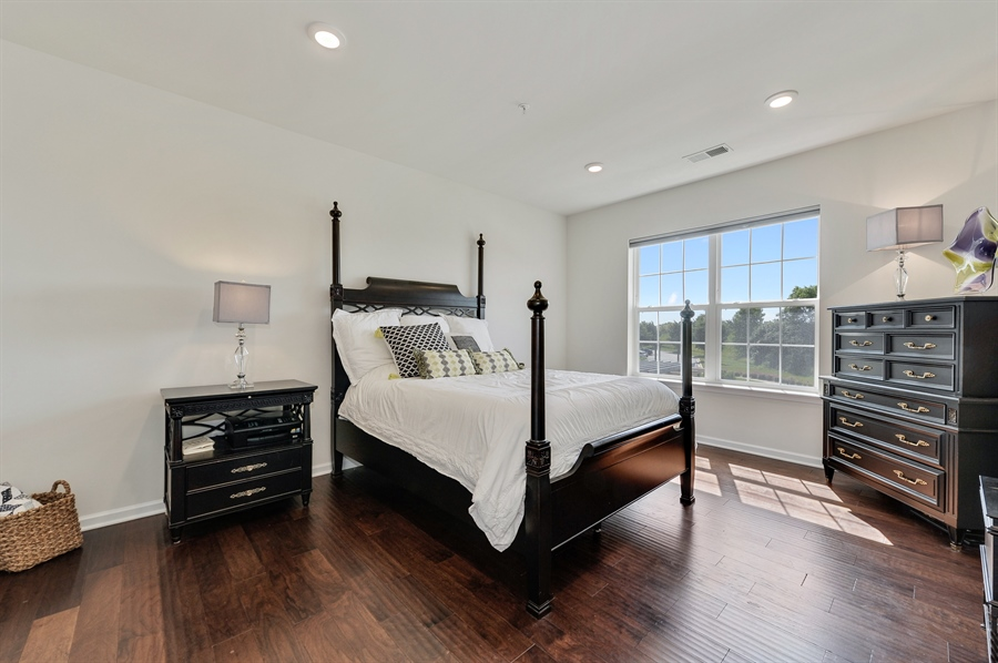Real Estate Photography - 2701 Common Dr., 207, Glenview, IL, 60026 - Master Bedroom