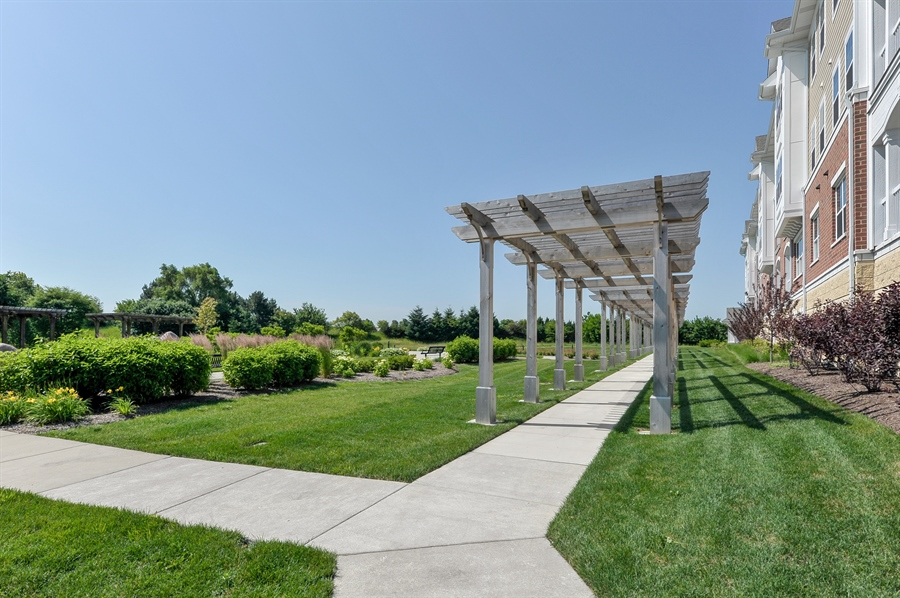 Real Estate Photography - 2701 Common Dr., 207, Glenview, IL, 60026 - View