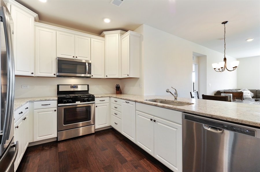 Real Estate Photography - 2701 Common Dr., 207, Glenview, IL, 60026 - Kitchen
