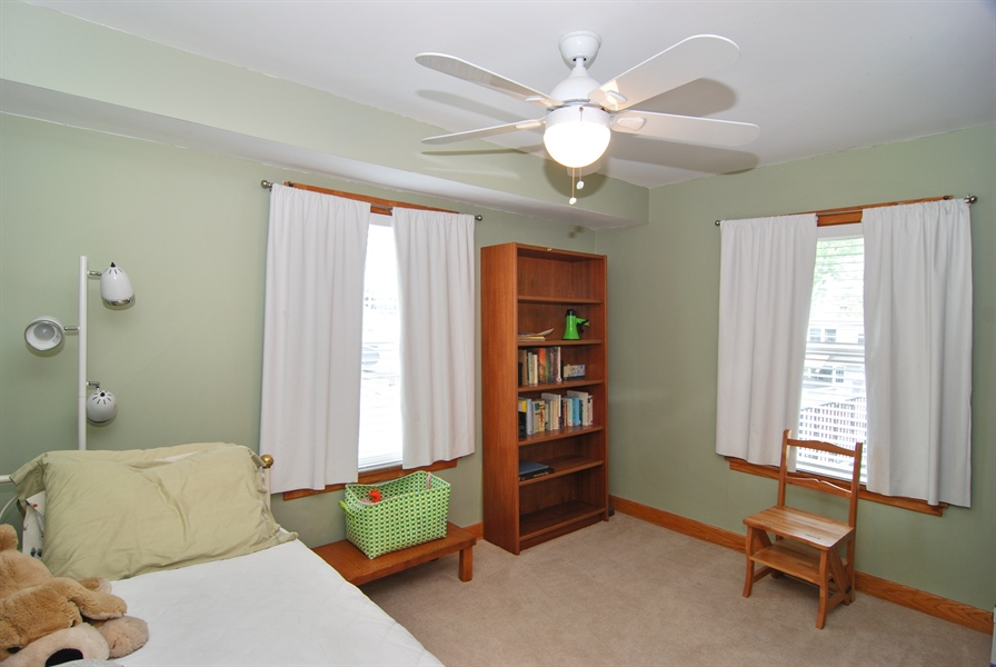 Real Estate Photography - 1025 N Lombard Ave, Oak Park, IL, 60302 - 2nd Bedroom