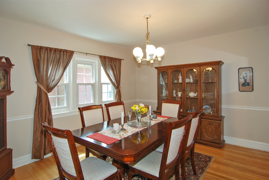 Real Estate Photography - 1025 N Lombard Ave, Oak Park, IL, 60302 - Dining Room