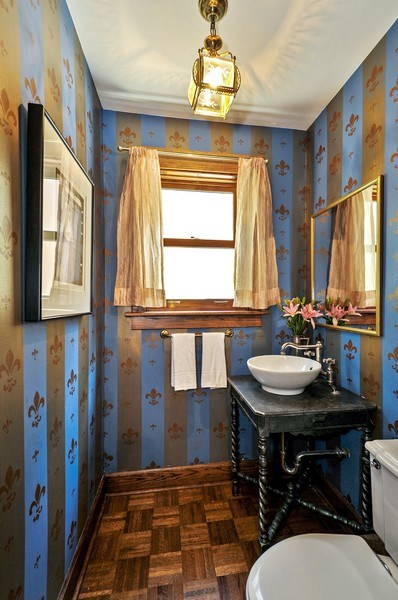 Real Estate Photography - 2041 W Byron, Chicago, IL, 60618 - Powder Room