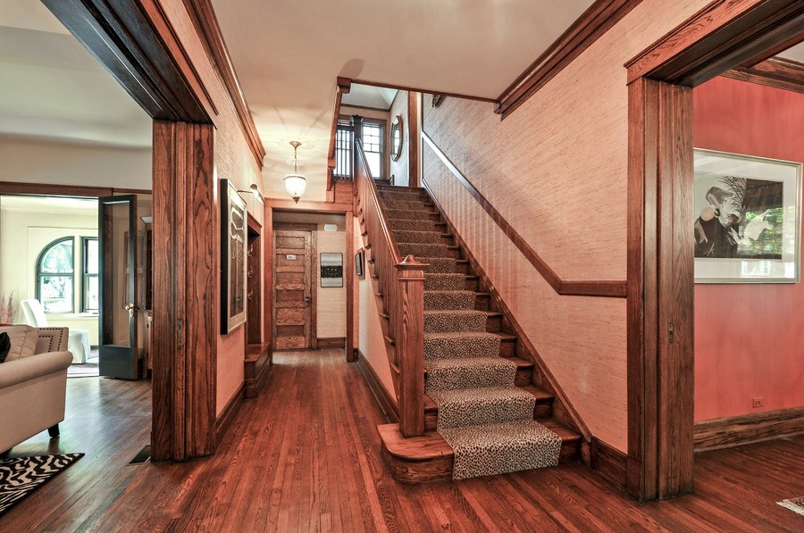 Real Estate Photography - 2041 W Byron, Chicago, IL, 60618 - Foyer