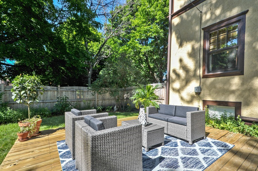 Real Estate Photography - 2041 W Byron, Chicago, IL, 60618 - Deck