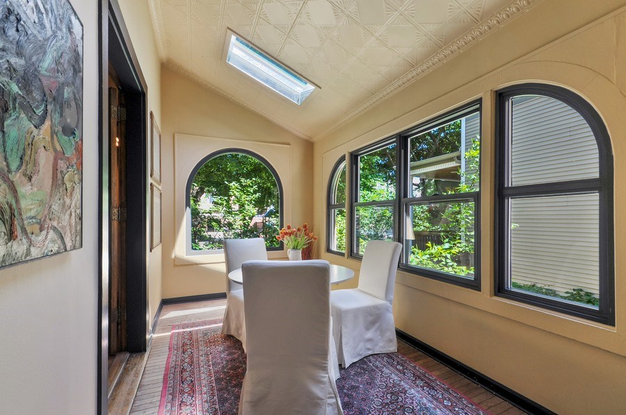 Real Estate Photography - 2041 W Byron, Chicago, IL, 60618 - Sun Room