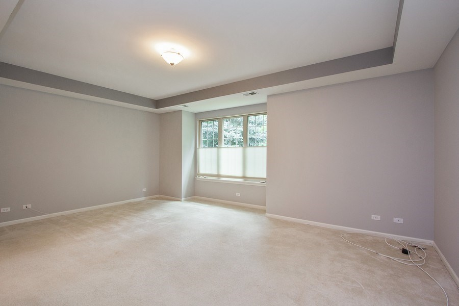 Real Estate Photography - 20 Beaconsfield Ct, 20, Lincolnshire, IL, 60069 - Master Bedroom
