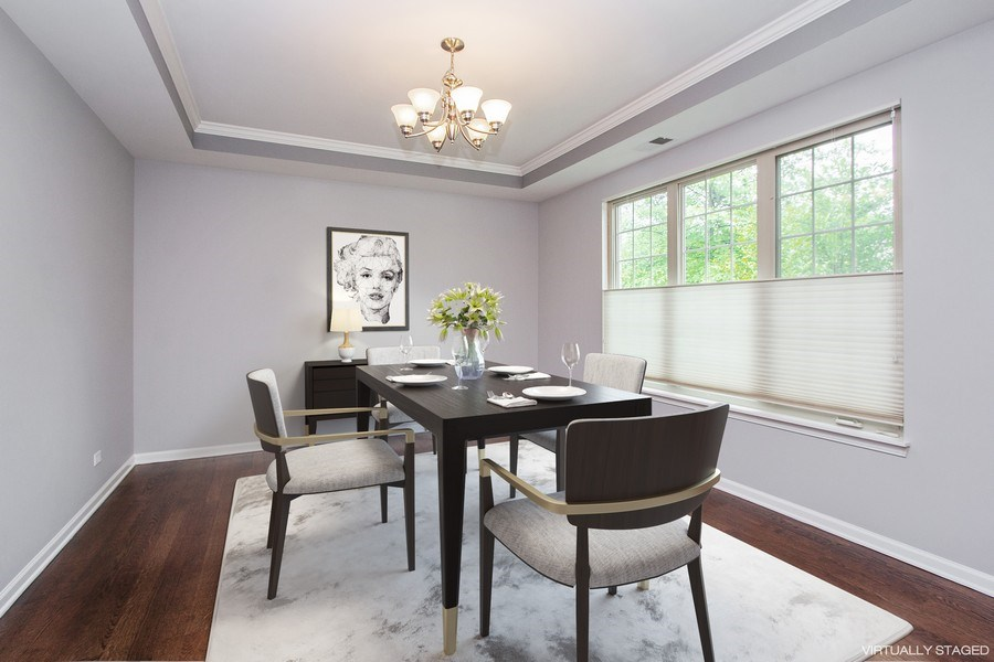 Real Estate Photography - 20 Beaconsfield Ct, 20, Lincolnshire, IL, 60069 - Dining Room