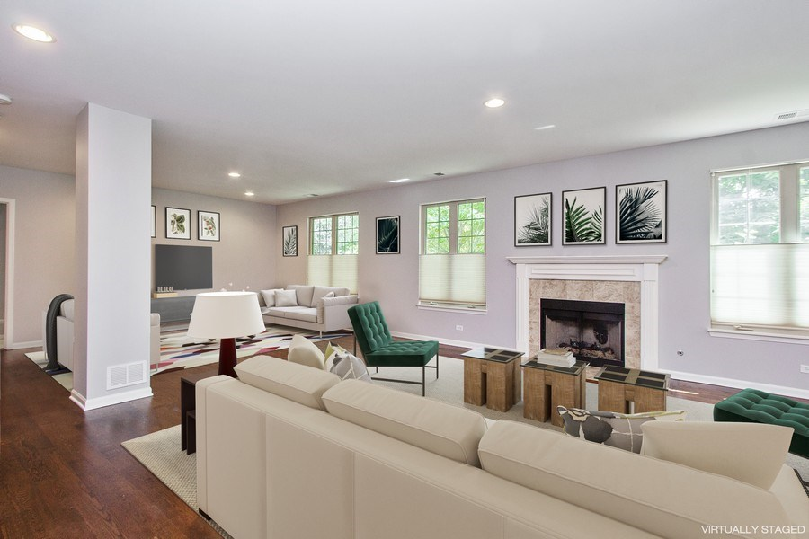 Real Estate Photography - 20 Beaconsfield Ct, 20, Lincolnshire, IL, 60069 - Family Room