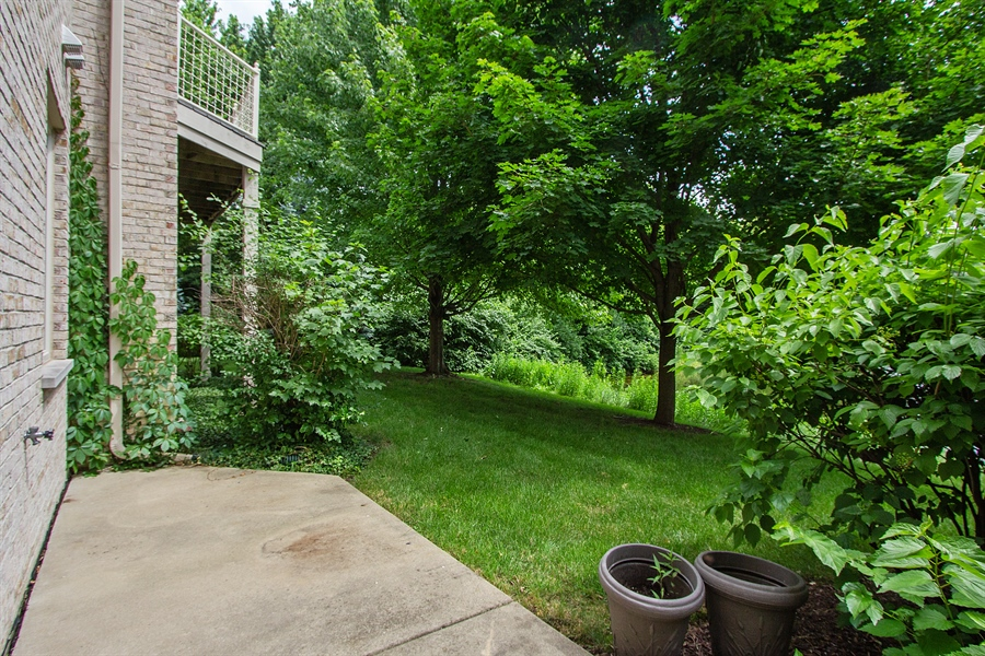 Real Estate Photography - 20 Beaconsfield Ct, 20, Lincolnshire, IL, 60069 - Patio