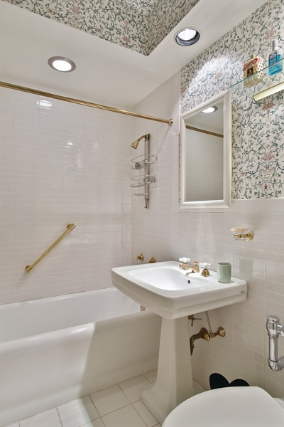 Real Estate Photography - 220 East Walton Place, Unit 9W, Chicago, IL, 60611 - 3rd Bathroom