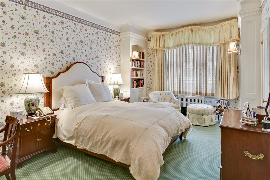 Real Estate Photography - 220 East Walton Place, Unit 9W, Chicago, IL, 60611 - Master Bedroom
