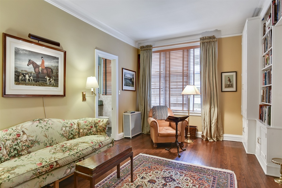 Real Estate Photography - 220 East Walton Place, Unit 9W, Chicago, IL, 60611 - Family Room