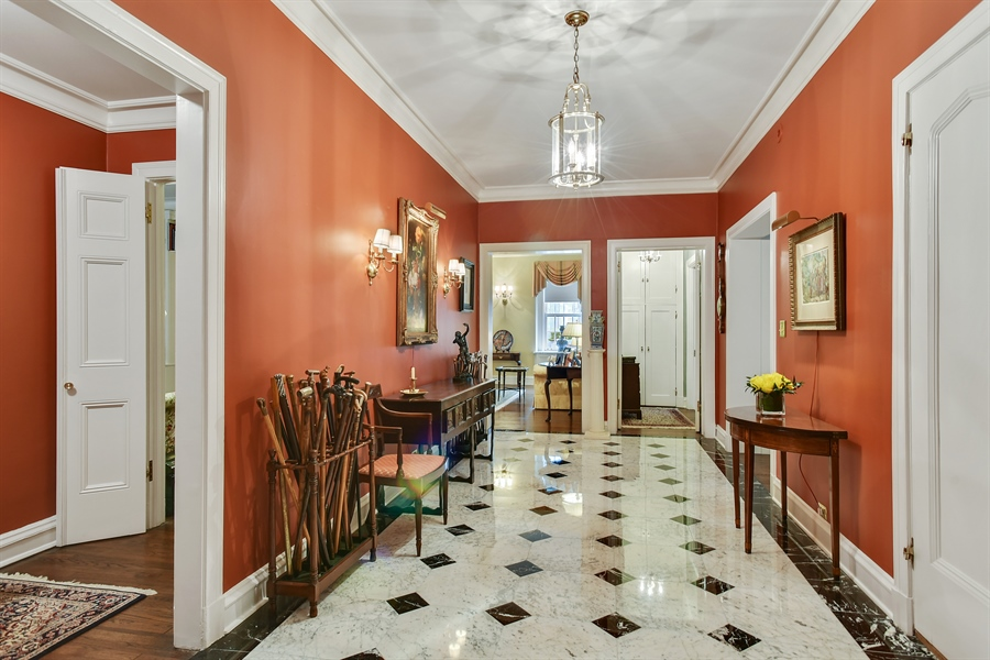Real Estate Photography - 220 East Walton Place, Unit 9W, Chicago, IL, 60611 - Foyer