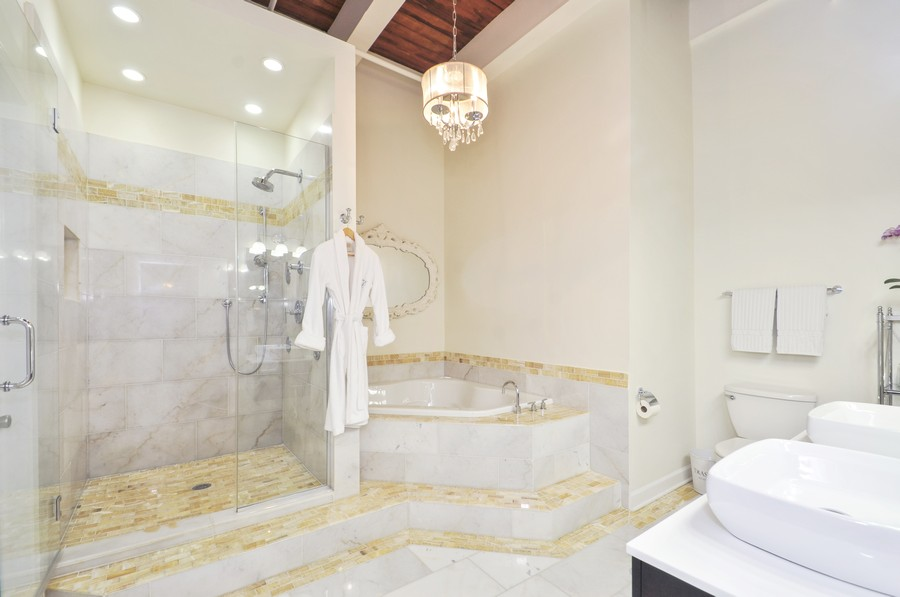 Real Estate Photography - 312 N. May #2IJ, Chicago, IL, 60607 - Master Bathroom