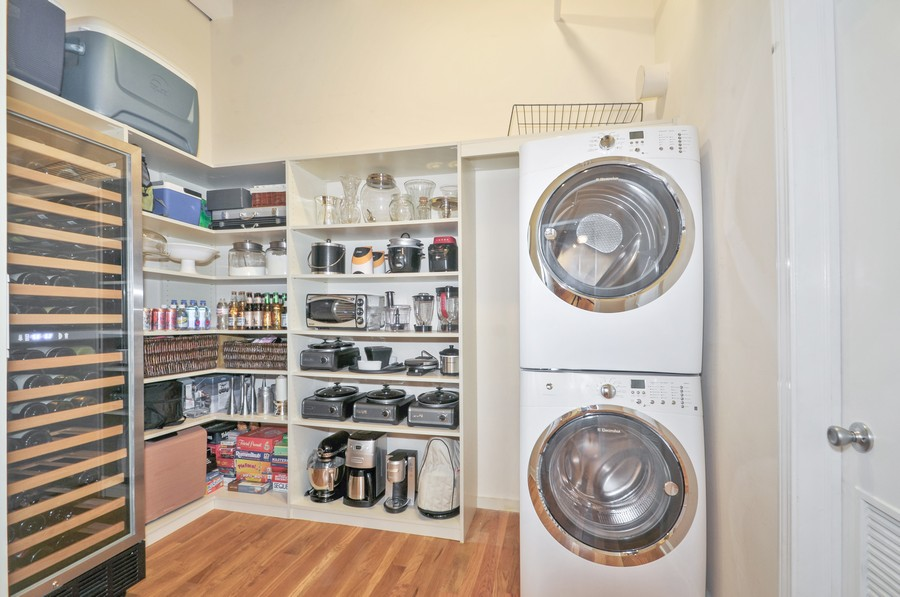 Real Estate Photography - 312 N. May #2IJ, Chicago, IL, 60607 - Laundry Room